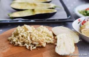 Barcute de vinete umplute cu legume sicarne